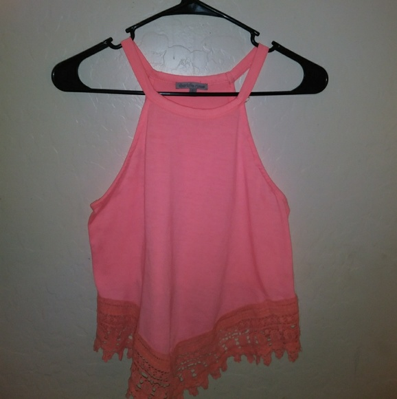Charlotte Russe Tops - Baby pink no sleeve shirt